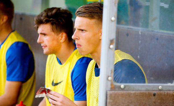 Hugo Keto (oik.) torjui Arsenalin alle 18-vuotiaat FA-cupin puolivälieriin. Vastaan tulee Liverpool Emiratesilla.