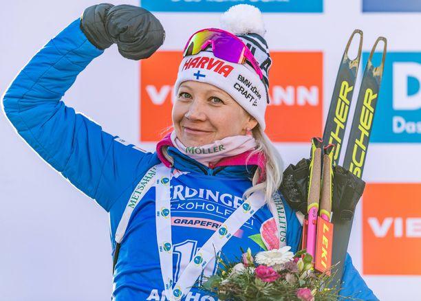 Kaisa Mäkäräinen oli seitsemän kertaa maailmancupissa palkintopallilla. Hän oli seitsemäs kokonaiskilpailussa.