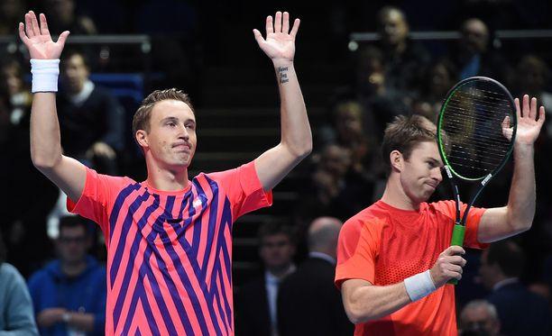 Henri Kontinen voitti parinsa John Peersin kanssa miesten nelinpelin loppuottelun ATP-finaaliturnauksessa Lontoossa.