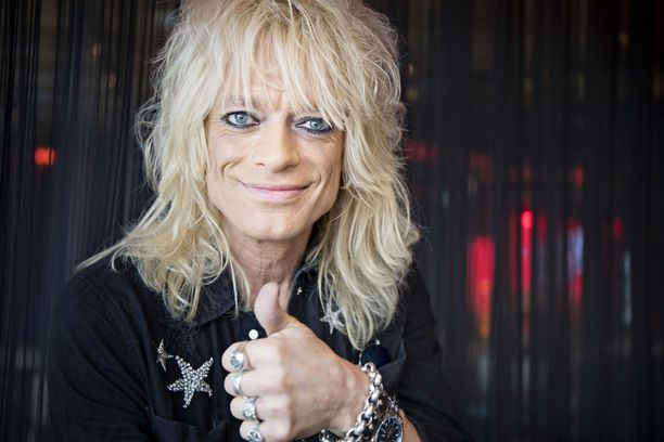 Michael Monroe on viihtynyt The Voice of Finland -ohjelman valmentajana.