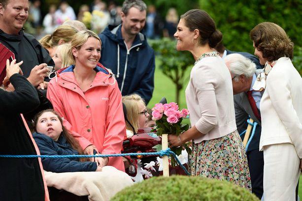 Victorialla oli aikaa jutella faneilleen.