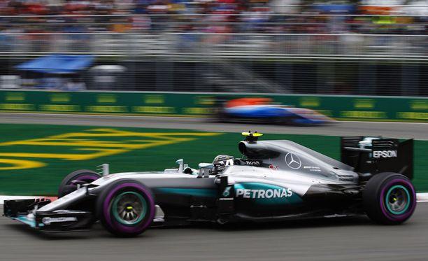 Nico Rosberg oli hyvässä vauhdissa aika-ajon toisessa osiossa.