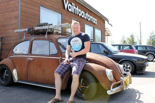 Sami Koponen on saanut autostaan lähinnä peukutuksia liikenteessä.