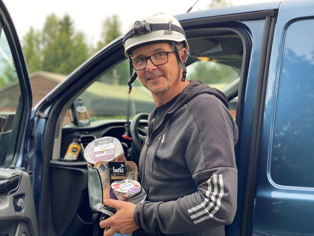 Työmiehen lihaton päivä on starttaamassa. Marko Lindström testaa, miten päivä sujuu Hetki-tuotteiden kanssa ja ilman punaista lihaa.