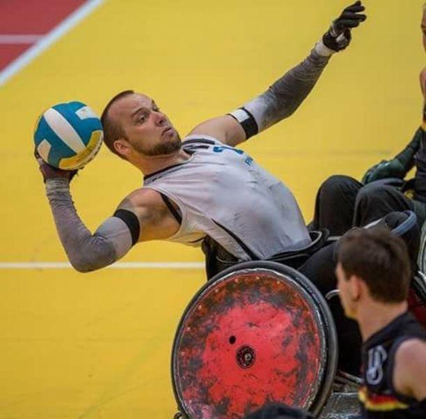 Tuukka Nisso viime kesänä pyörätuolirugbyn EM-kisoissa Saksassa.