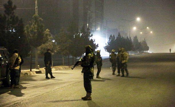 Afganistanin turvallisuusjoukot saartoivat Intercontinental-hotellin pian hyökkäyksen jälkeen.