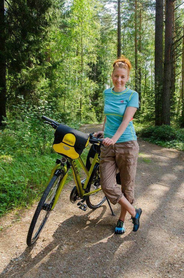 Pyöräilyssä Elina Huttonia viehättää liitävä ja kevyt meno.