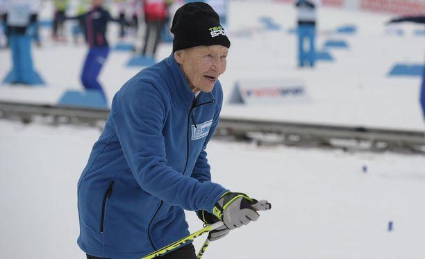 Rantanen näytti perinteisen tekniikkaansa hiihtostadionilla.