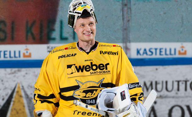 Jussi Markkanen pelaa yhä, mutta häärii samalla SaiPan taustajoukoissa.