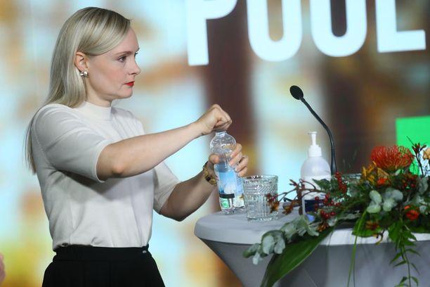 Vihreiden puheenjohtaja Maria Ohisalo korostaa tutkitun tiedon merkitystä myös puolueen kannabislinjauksissa.
