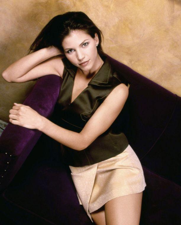 Charisma Carpenteirn näyttelemä Cordelia Chase oli sarjan alkaessa perinteinen ilkeä suosittu tyttö, mutta hänen roolinsa sai lisää syvyyttä sarjan edetessä.