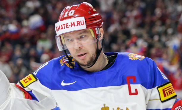 Sergei Mozjakin poistui kaukalosta avauserässä.