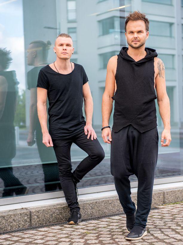 The Rasmus kiertää aktiivisesti, ja yhtye luo parhaillaan uutta musiikkia.