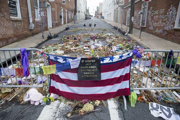 Heather Heyer kuoli, kun valkoisen ylivallan kannatta ajoi tahallaan autolla mielenosoittajien päälle Charlottesvillessä elokuussa.