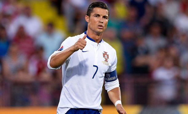 Cristiano Ronaldo ei pitänyt kysymyksistä, joita häneltä kysyttiin SNTV:n haastattelussa.