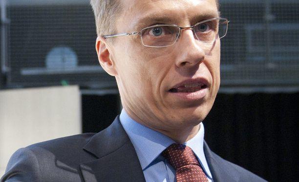 Alexander Stubb mukaan evakuointioperaation suurin haaste on saada kaikki suomalaiset samaan paikkaan.