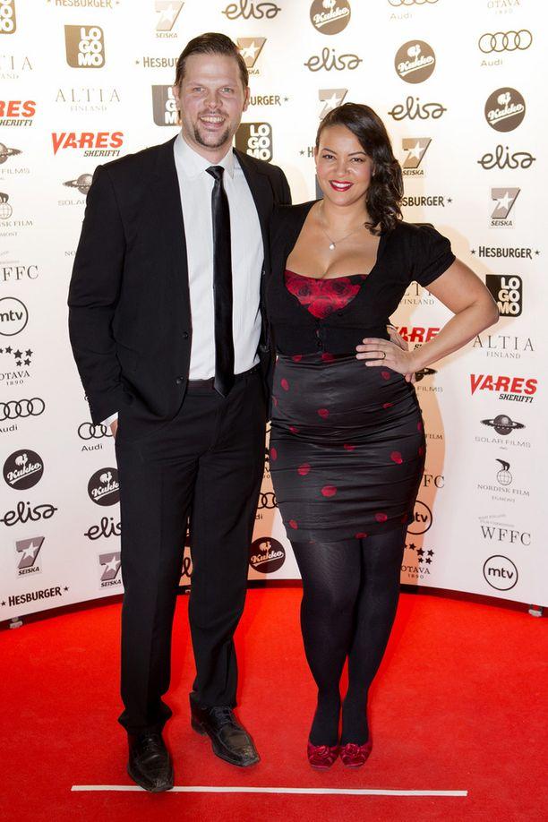 Jarkko ja Lola Wallinkoski ehtivät olla naimisissa kymmenen vuotta.