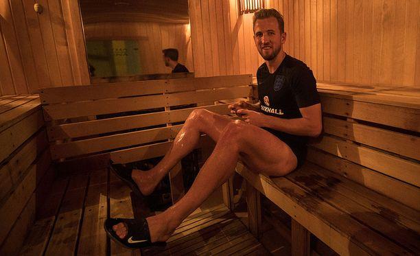Harry Kane esitteli medialle hotellin suomalaisjuuria.