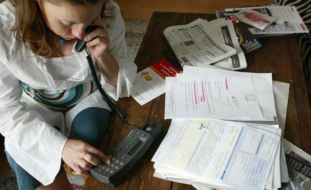 Työttömät joutuvat tinkimään lääkekuluistaan, selviää Kelan tutkimuksesta.
