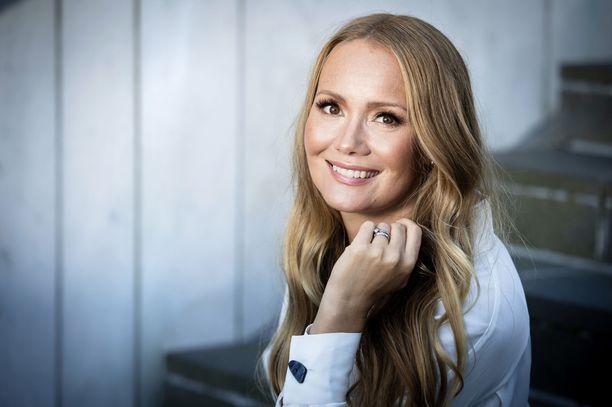 – Kotimaan mediassa riehuu keskustelu lapsiperheistä ravintolassa, Marja Hintikka kirjoittaa blogissaan Sosiaali- ja terveysministeriön sivuilla.