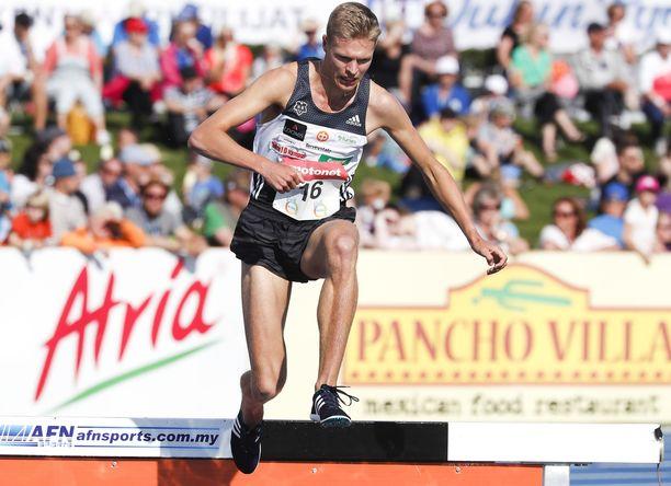 Topi Raitanen pani ennätyksensä uusiksi 3 000 metrin esteissä. Hän vaihtoi kolmisen