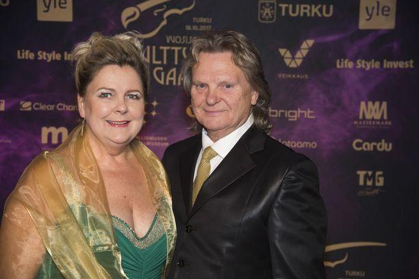 Pauliina Visurin ja Pepe Willbergin suhde alkoi salasuhteena. Nyt pariskunta on pitänyt yhtä jo 20 vuotta.