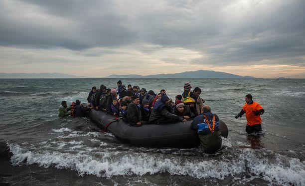 IMF:n raportin mukaan pakolaisrkiisi tulee maksamaan Suomelle tänä vuonna satojamiljoonia euroja.
