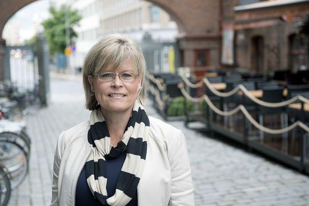 Verenkiertohäiriöt pysäyttivät kansanedustaja Sari Tanuksen.