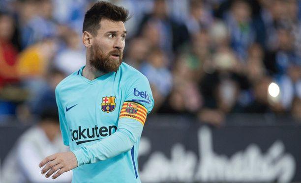 Lionel Messi pommitti kauniin vaparimaalin, mutta Barcelona jämähti silti tasapeliin.