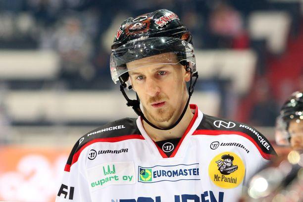 Niko Peltolan kausi jatkuu Tampereella.