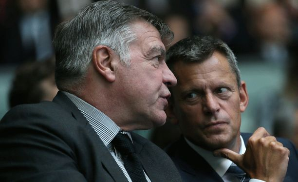 Sam Allardyce joutui Englannin jalkapalloliiton syyniin. Kuvassa vieressä liiton pomo Martin Glenn.