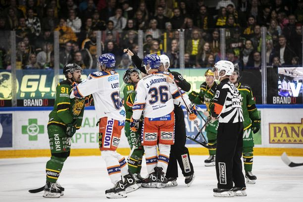 Ilveksen ja Tapparan kohtaaminen viime perjantaina oli yksi parhaista Tampereen paikallispeleistä pitkään aikaan. Tappara voitti ottelun 4–2.