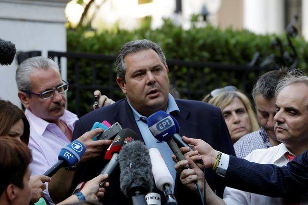 Kreikan puolustusministeri Panos Kammenos kehottaa kreikkalaisia karttamaan saksalaista tuotantoa.