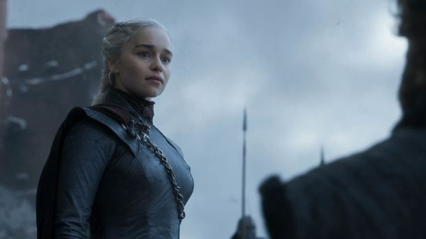 Game of Thronesin päätöskauden viimeinen jakso nähtiin Suomen aikaa varhain maanantaiaamuna, Kuvassa näyttelijä Emilia Clarke (Daenerys).