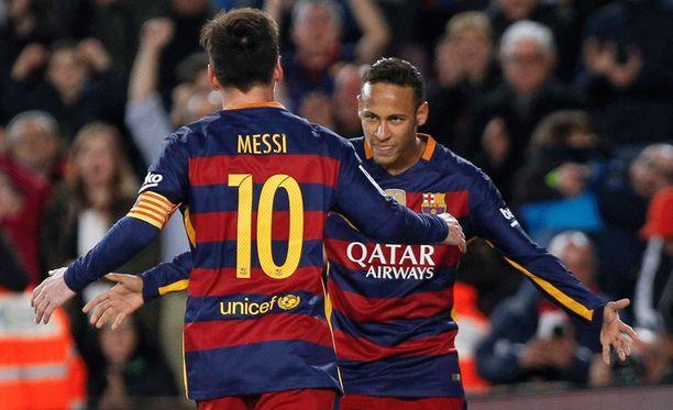Leo Messi ja Neymar olivat päärooleissa Barcelonan voittaessa Real Betisin 4-0.