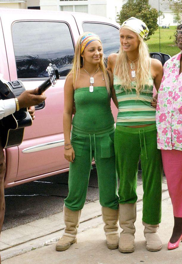 Nicole Richien ja Paris Hiltonin veluurityylinäyte on vuodelta 2005.
