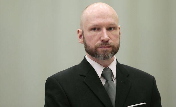 Anders Breivik ei halua tulla enää tunnetuksi Breivikinä.