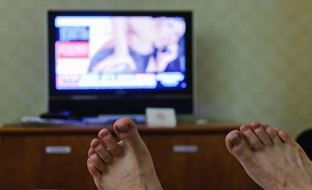 Aiemmin Digiviihde kuului DNA:n maksu-tv-pakettiin, mutta nyt lähetykset näkyvät ilmaiseksi antenniverkossa.