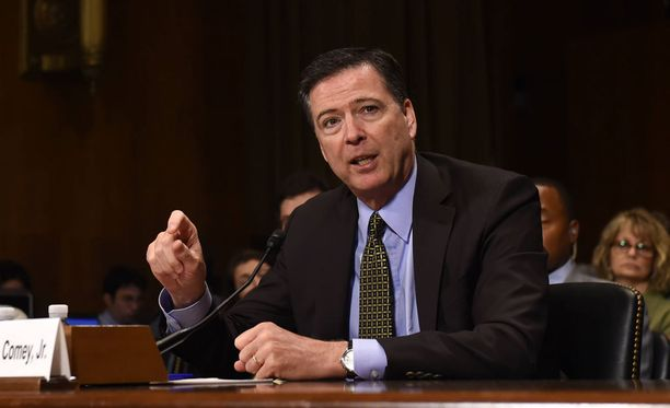 FBI:n johtajan tehtävästä erotettu James Comey.