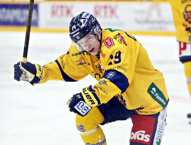 Janne Keränen teki kaksi maalia, kun Lukko nujersi Ässät 2-0.