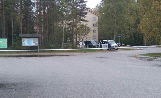 Vuonna 1964 syntynyt mies löydettiin kuolleena Kajaanin Otanmäessä Vuorimiehentien varrelta sunnuntaiaamuna.