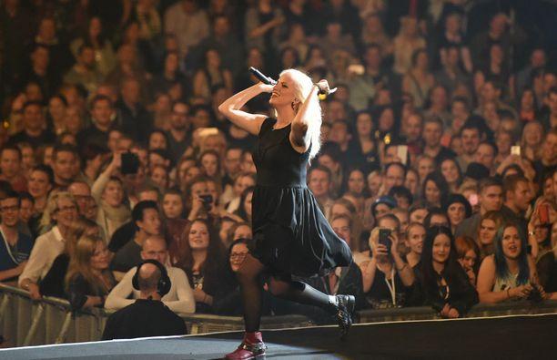 Haloo Helsinki! esiintyi täydelle Hartwall Arenalle perjantaina ja lauantaina.
