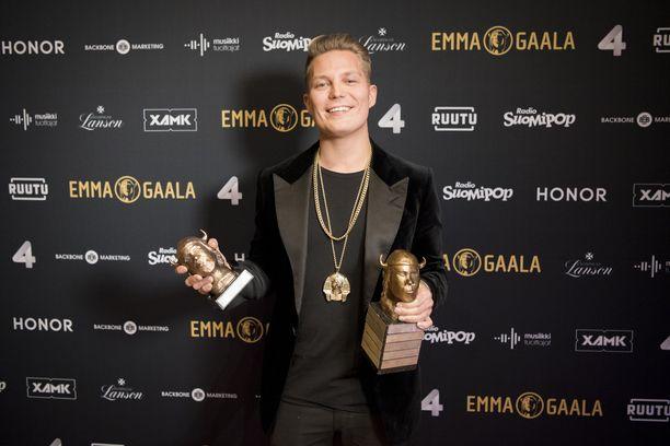 Jare Tiihonen lopetti rap-artistin uransa viime elokuussa. Helmikuussa hän pokkasi kaksi Emma-pystiä.