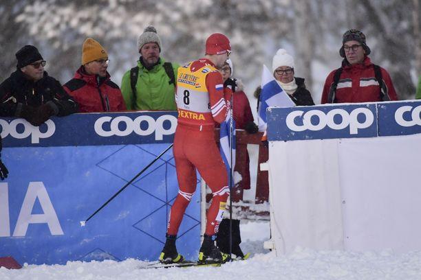 Sergei Ustjugov hylättiin varaslähdön vuoksi Rukan maailmancupin sprintistä perjantaina.