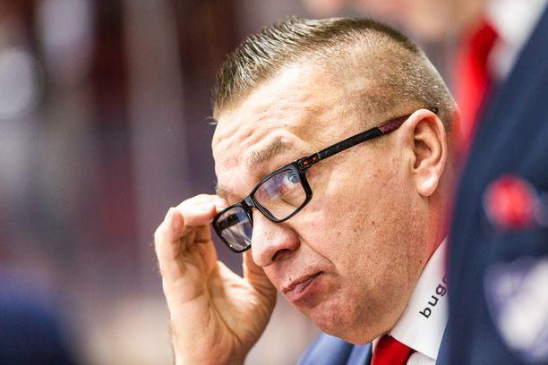 Ari-Pekka Selinillä on vitsit vähissä mutta huumorintaju tallella.