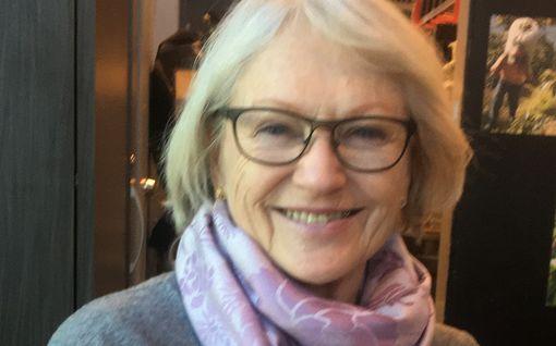 Näin poikkeustila vaikuttaa 20 000 suomalaisen arkeen Aurinkorannikolla - poliisi pysäytti Seijan ja Matin apteekkireissulla