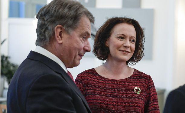 Jenni Haukio ei ole paikalla Sauli Niinistö vaalivalvojaisissa.