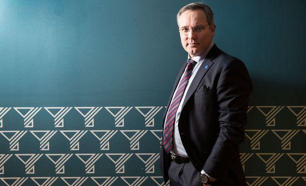 """Suomen Yrittäjien toimitusjohtaja Mikael Pentikäinen sanoo, että yritystukien leikkaaminen on vaikeaa, sillä """"aina löytyy joku etujärjestö, joka suureen ääneen lähtee vastustamaan, jos juuri heille tärkeää yritystukea lähdetään leikkaamaan""""."""
