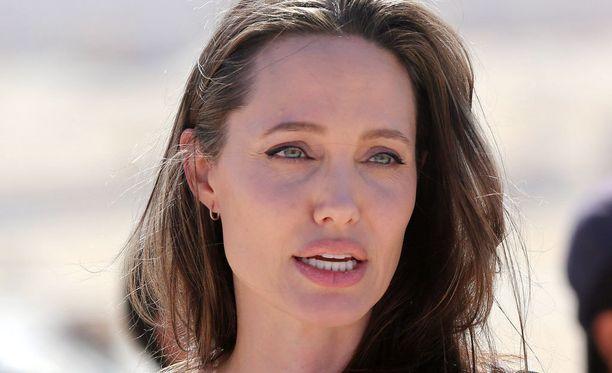 Angelina Jolie on ilmoittanut haluvansa lastensa huoltajuuden itselleen.