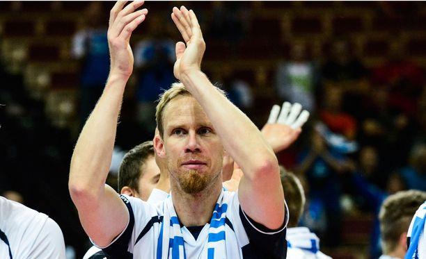 Mikko Esko palaa kotimaan liigaan.